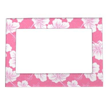 Fashionable White Floral on Baby Pink Magnetic Photo Frame