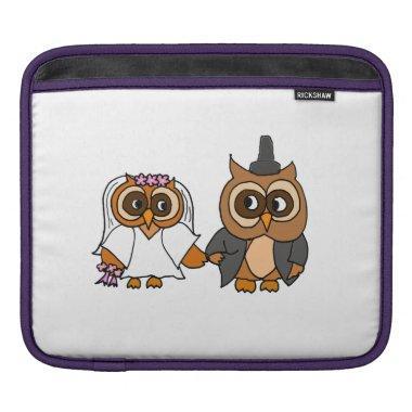 Funny Owl Bride and Groom Wedding iPad Sleeve